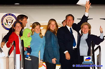 Vice President Al Gore, wife Tipper Gore and family wave to photographers before boarding Air Force Two on Thursday, Nov. 9, 2000 at the Tennessee Air National Guard hangar in Nashville, Tenn. Gore and his family were en route back to Washington, D.C., while awaiting the outcome of a vote re-canvass in Florida. (Apex MediaWire Photo by Billy Suratt)